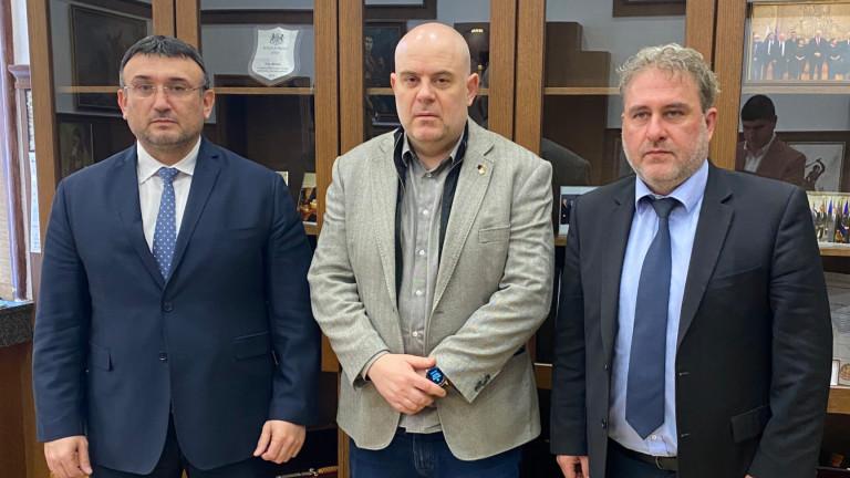 Гешев, Маринов и Банов заедно срещу трафика на културни ценности