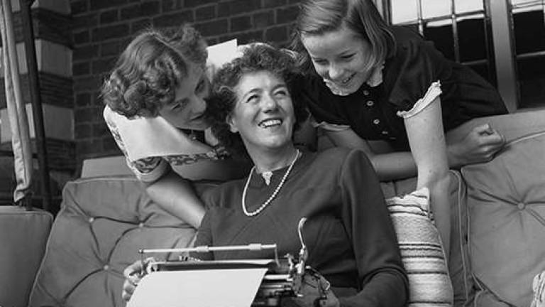 Работата на Инид Блайтън, един от най-обичаните британски детски автори,