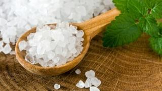 Морска сол за силна коса