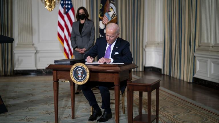 Байдън: САЩ трябва да станат световен лидер в борбата с климатичната криза