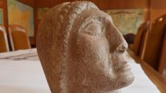 Намериха глава на Аполон в картофена нива, дариха я на НИМ