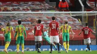 """""""Двойна"""" дузпа на Фернандеш донесе първата домакинска победа на Манчестър Юнайтед"""
