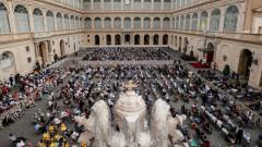 Ватикана се притеснява от закон срещу хомофобия в Италия - криминализира църквата и християнството