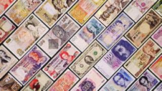 Доларът покачва спрямо еврото и йената