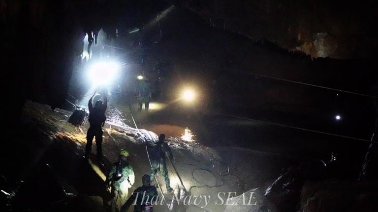 37 загинали и 23-ма изчезнали при корабокрушение край о.Пукет