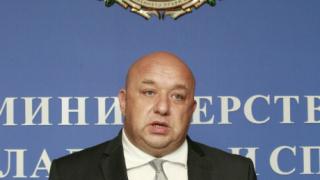 Министър Кралев: Ще подкрепим Станка Златева за изграждането на зала по борба в Сливен
