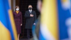 """Зеленски за отказа на Украйна от """"Спутник V"""": Украинците не са опитни зайчета"""