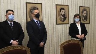 Радев пита БСП готови ли са за кабинет, Нинова решава, ако получат третия мандат