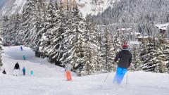 Франция налага граничен контрол, спира скиори да пътуват в чужбина