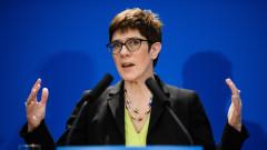 Анегрет Крамп-Каренбауер официално обяви кандидатурата си за наследник на Меркел в ХДС