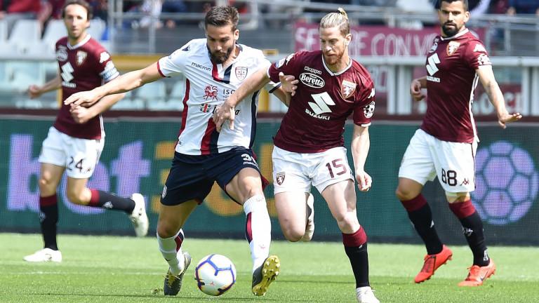 Снимка: Торино и Каляри си спретнаха истинско дерби без Десподов: Два гола, три червени картона и ВАР, но без победител