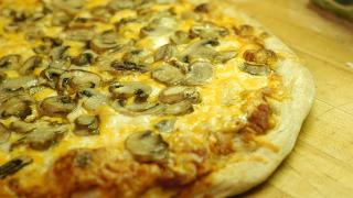 Пица с много сирена