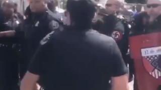 Въоръжени неонацисти прекъсват Детройт прайд и уринират върху израелско знаме