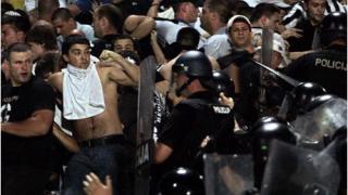 Полицай ранен по време на мача България - Румъния