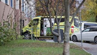 Въоръжен мъж открадна линейка и прегази няколко души в Осло