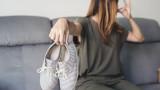 Как да се справим с миризливите обувки