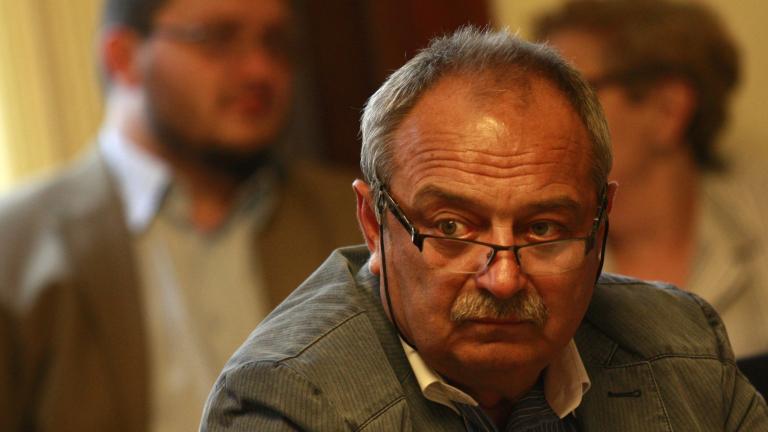 Лекарският съюз отхвърля апела на Горанов да не се подписва