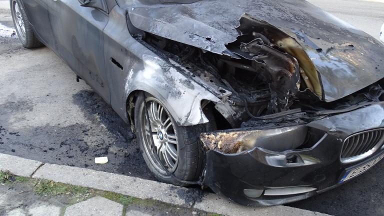 Обвиниха 54-годишен столичанин, запалил кола пред блок