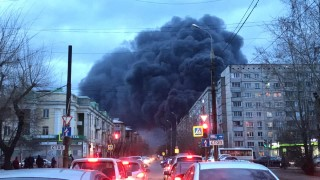 Голям пожар в руски военен завод, произвеждащ ракети