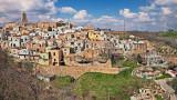 Airbnb, Гротоле и как може да ни плащат, за да живеем в Италия