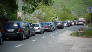 Големи задръствания се образуваха на изхода на Самоков