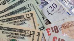 Доларът изпрати февруари поскъпнал към еврото и паунда