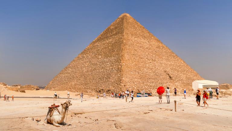 Учени откриха тайна камера в пирамидата на Снофру с космическа технология