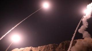 Иран изстреля балистични ракети по екстремисти в Сирия