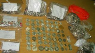 Извадиха над 8 кг. сребро от подлакътника на Мерцедес