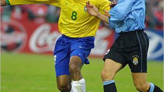 Емерсон критикува Роналдиньо
