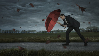 Пред световната икономика стои по-голям проблем от евентуална рецесия