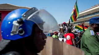 Протестите срещу по-скъпите горива в Зимбабве взеха жертви