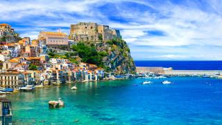 Чужденци купиха 16 къщи в Сицилия на търг, започнал от 1 евро