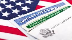 Байдън отмени забраната на Тръмп за издаване на зелени карти