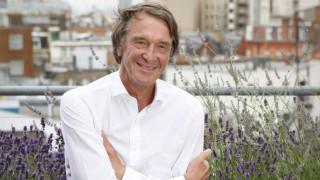 Най-богатият човек във Великобритания я изоставя заради Монако