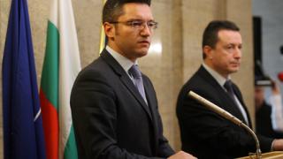 """Дано не се стигне до икономически санкции срещу Русия, """"моли се"""" Вигенин"""