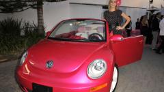 Volkswagen с автомобил на куклата Барби