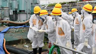 """Японското правителство се заема с очистването на """"Фукушима"""""""