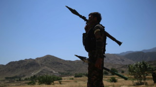 Талибаните превземат все повече територии в Афганистан