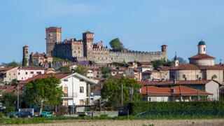 Кой строи крепости в България през 21 век?!