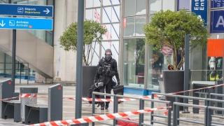 """Двама задържани във връзка с атаката на летище """"Орли"""""""
