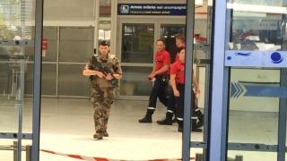 Евакуираха летището в Ница