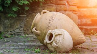 Амфора за вино от V век бе открита при ремонт на летния театър в Русе