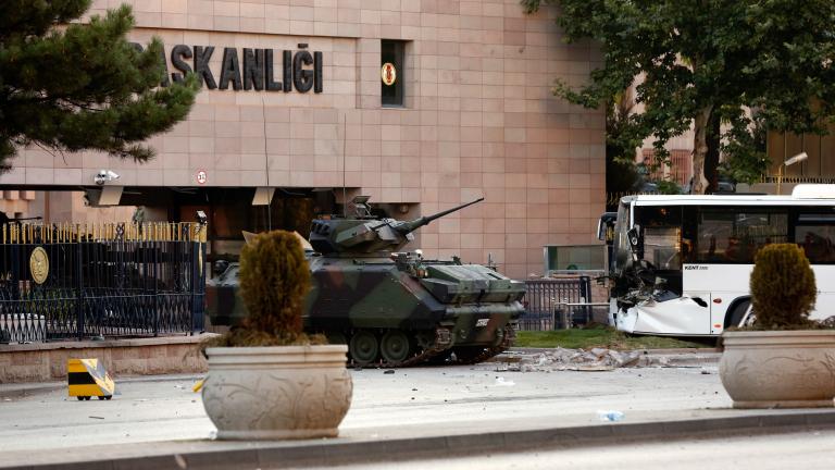 Останете по улиците, във всеки момент може да има нов опит за преврат, зове Ердоган