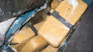 Хероин за 12 млн. лв. хващат на две ГКПП