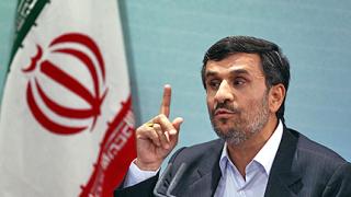 Ахмадинеджад се измъкна от разпит за рекордни далавери