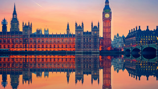 Разгневени шотландски депутати демонстративно напуснаха британския парламент