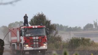 6 пожарни гасят пожар над Асеновград