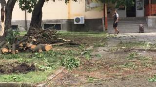Пловдивски вход е застрашен от срутване заради ВиК авария