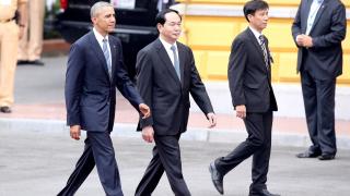 САЩ отмени оръжейното ембарго срещу Виетнам
